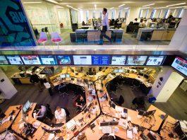 Newsroom (© AP Images)