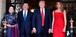 Peng Liyuan, Xi Jinping, Donald Trump and Melania Trump lined up for picture (© AP Images)