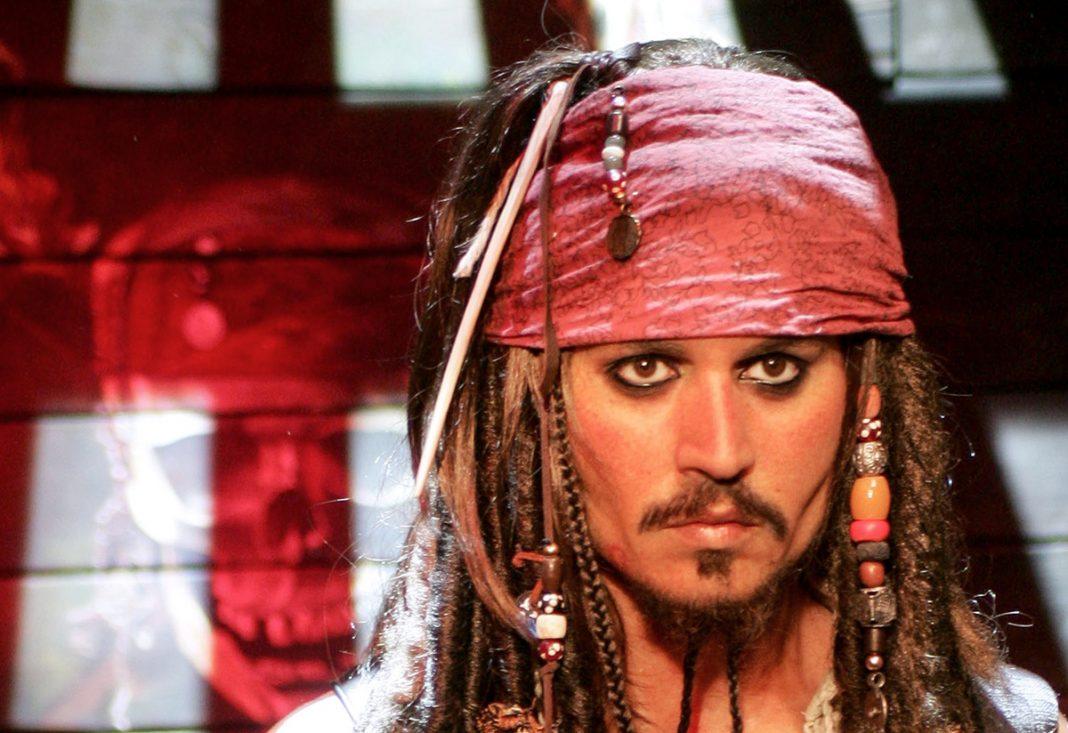 """Johnny Depp como Jack Sparrow en """"Los piratas del Caribe"""", en una reproducción de cera en el Museo de Madame Tussauds en Londres (© Ferdaus Shamim/WireImage/Getty Images)"""