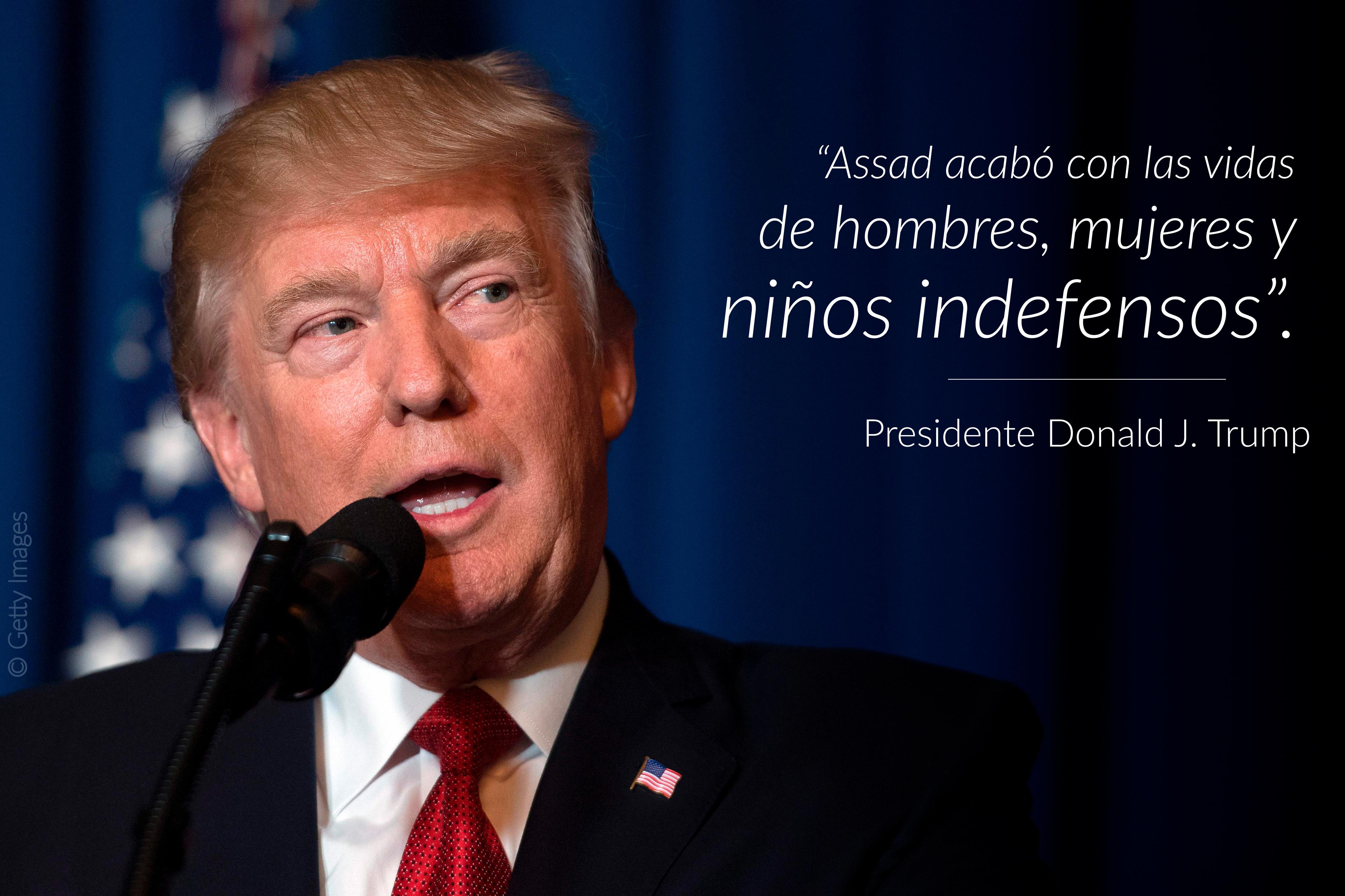 El presidente Trump habla, a la derecha una cita sobrepuesta en la imagen (© Getty Images)