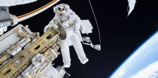Astronaut walking in space (NASA)