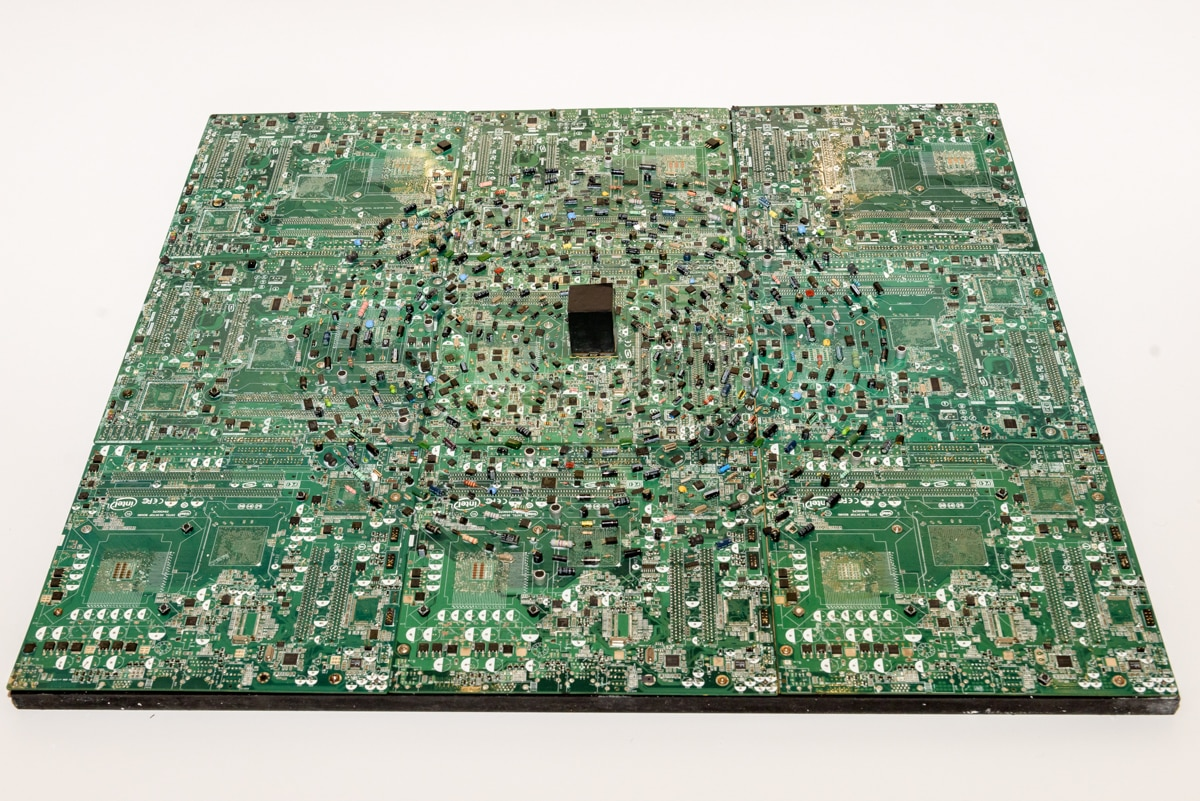 Giant electronics board featuring a depiction of Mecca (© Doug Coombe/Arab American National Museum)