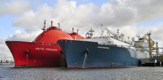 Two tanker ships in water (Shutterstock)