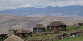 莱索托山村(照片提供: USAID)