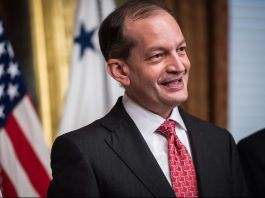 Alex Acosta smiling (© Jabin Botsford/Washington Post/Getty Images)