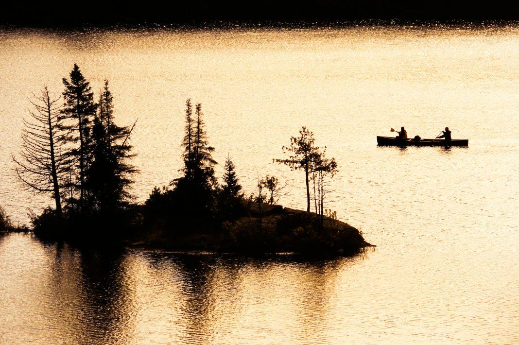 Одно из озер Миннесоты (© Paul Chesley/National Geographic Creative)