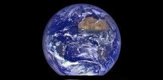 Terra desponta sobre horizonte lunar (Nasa)