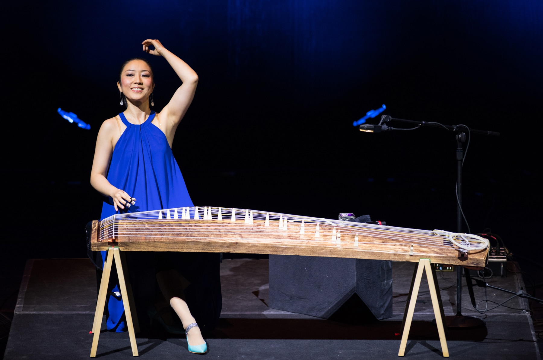 Woman playing koto (Margot Schulman)