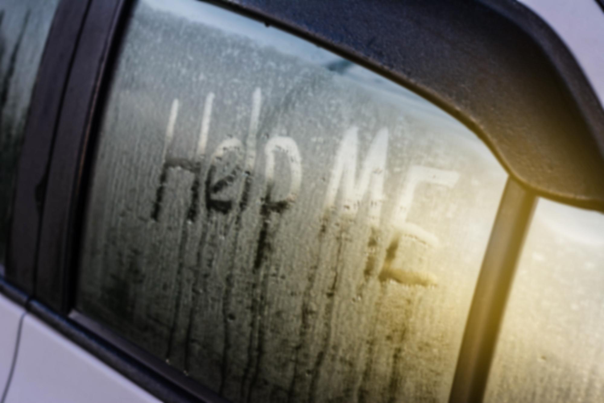 sur la route ou dans les airs ils sont bien plac s pour rep rer les victimes de la traite. Black Bedroom Furniture Sets. Home Design Ideas