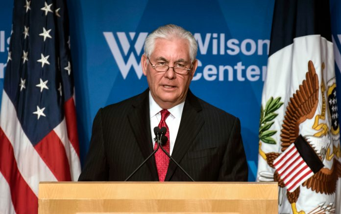 Rex Tillerson at a lectern (© AP Images)