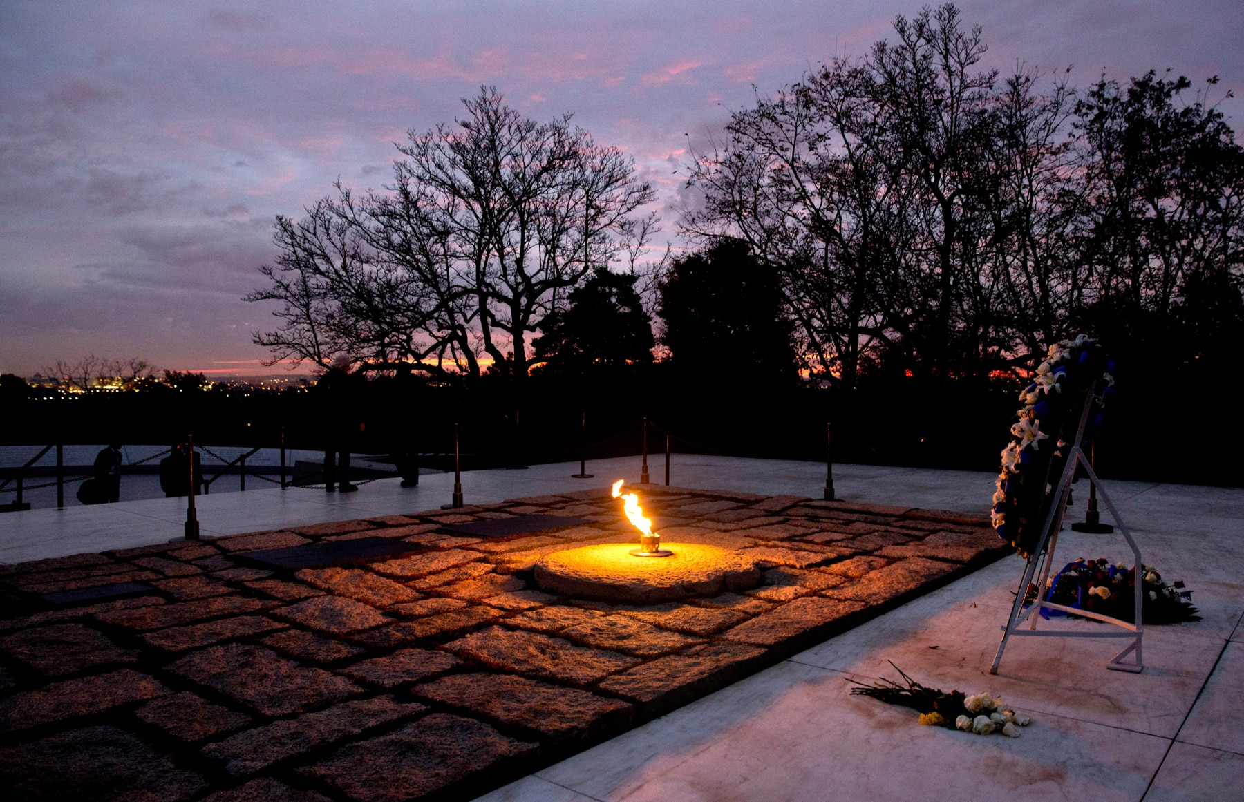 Eternal flame burning at Arlington National Cemetery (© AP Images)