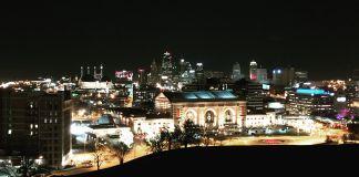 火车站夜景照片