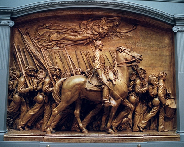 Monument with bronze horse and soldiers (© AP Images)