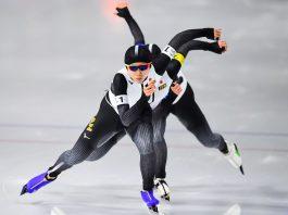 Tres patinadoras una tras otra (© Roberto Schmidt/AFP/Getty Images)