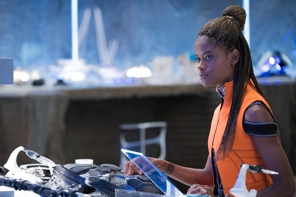 Picture of Princess Shuri in her lab (© Marvel Studios 2018)