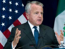 John J. Sullivan speaking at a podium (© Jose Luis Magana/AP Images)