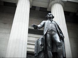 Estátua de George Washington (© Image Source/Alamy)