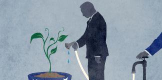 Ilustração de pessoa segurando uma mangueira apontada para uma planta em um vaso. A água foi desligada por alguém (Depto. de Estado/Doug Thompson)