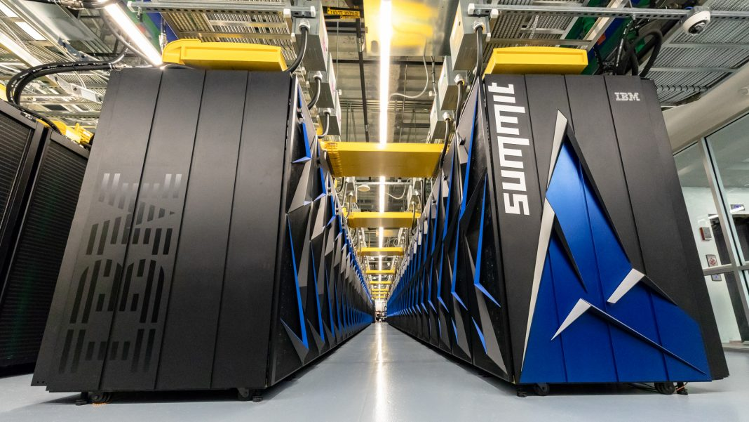 Very large computers (ORNL/U.S. Dept. of Energy)