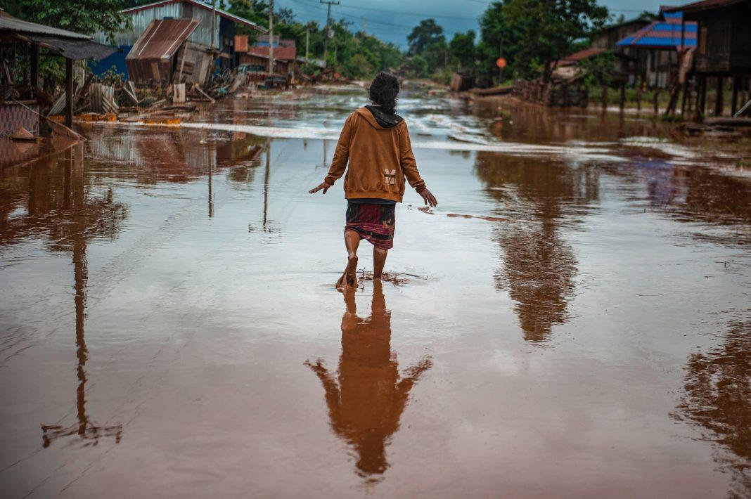 Наводнение в Лаосе (© Jes Aznar/Getty Images)