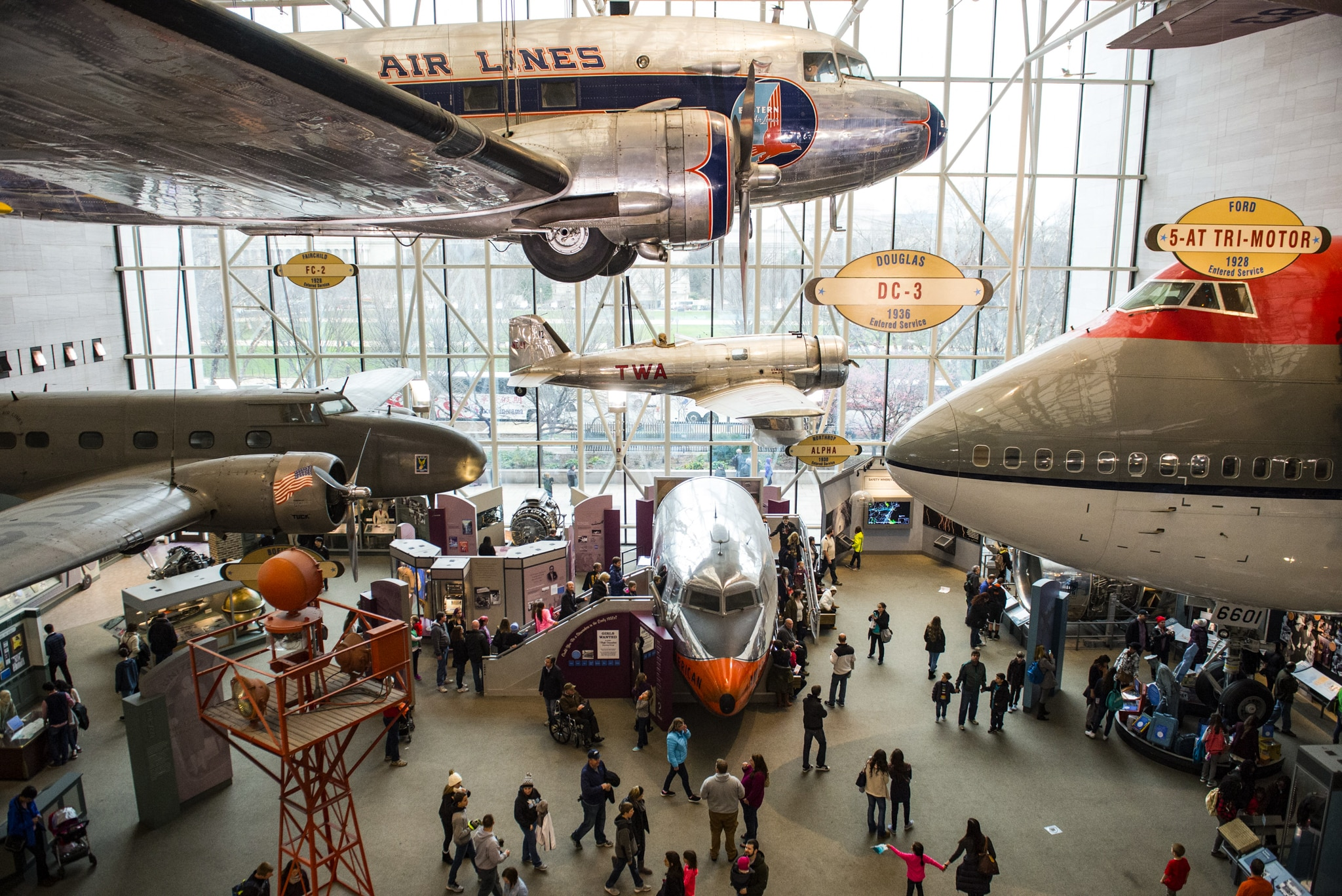 Airplanes on display in museum (© Saul Loeb/AFP/Getty Images)