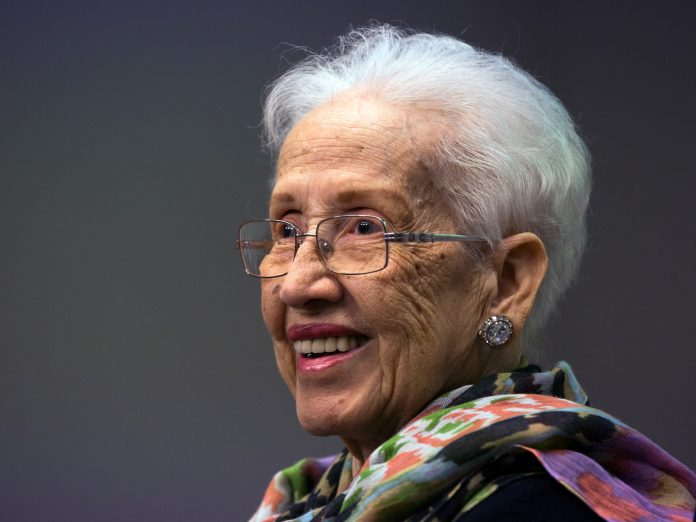 Katherine Johnson en train de sourire (NASA)