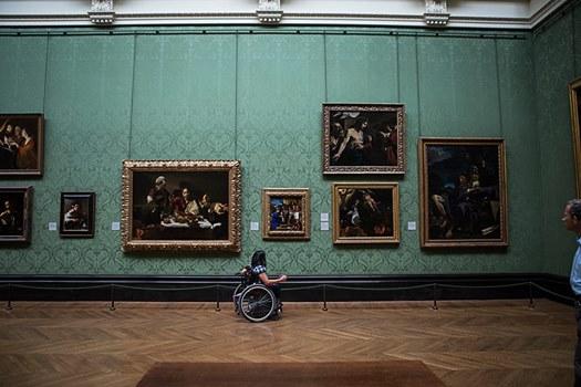 明华在伦敦国家美术馆(来源: Ming Canaday)