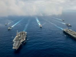Ships in open water (U.S. Navy/Mass Communication Specialist 3rd Class Jake Greenberg)