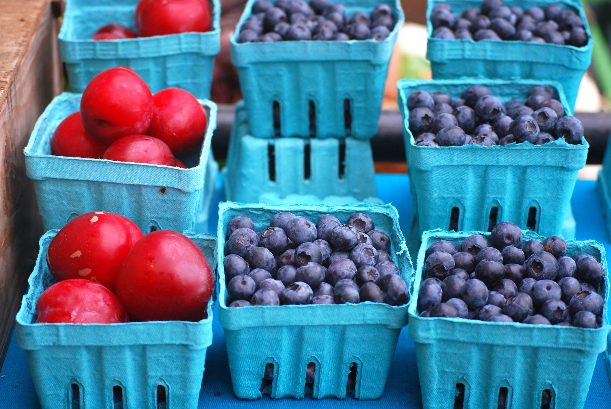 Des barquettes de fruits (© Lore Patterson/Alamy Stock Photo)