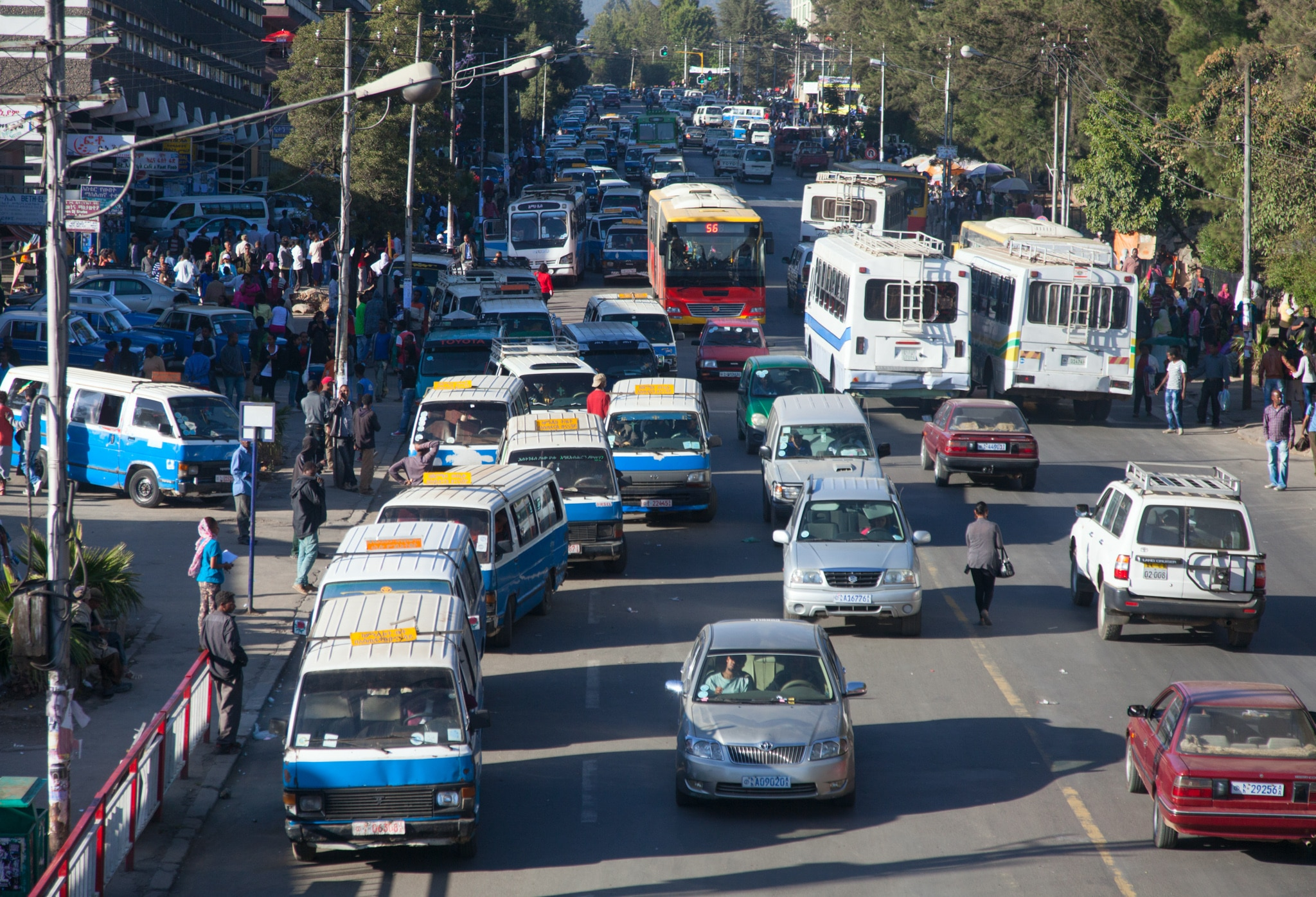 Cars and trucks on a street (© Shutterstock)