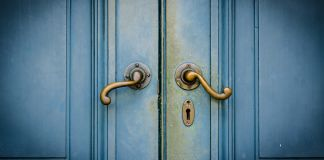 Blue doors (© Food Travel Stockforlife/Shutterstock)