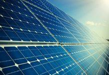 Solar panels (© Shutterstock)