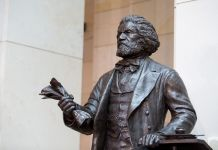 Frederick Douglass statue (© Drew Angerer/Getty Images)
