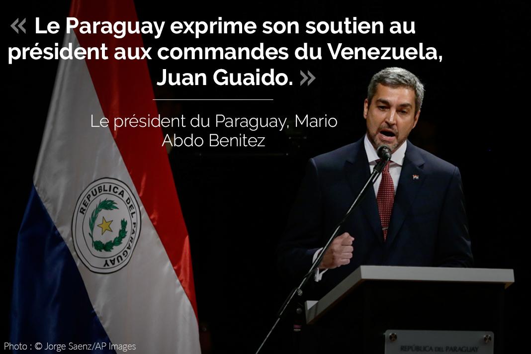 Mario Abdo Benitez, avec son tweet sur l'image (© Jorge Saenz/AP Images)
