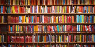 Shelves of books (© Shutterstock)