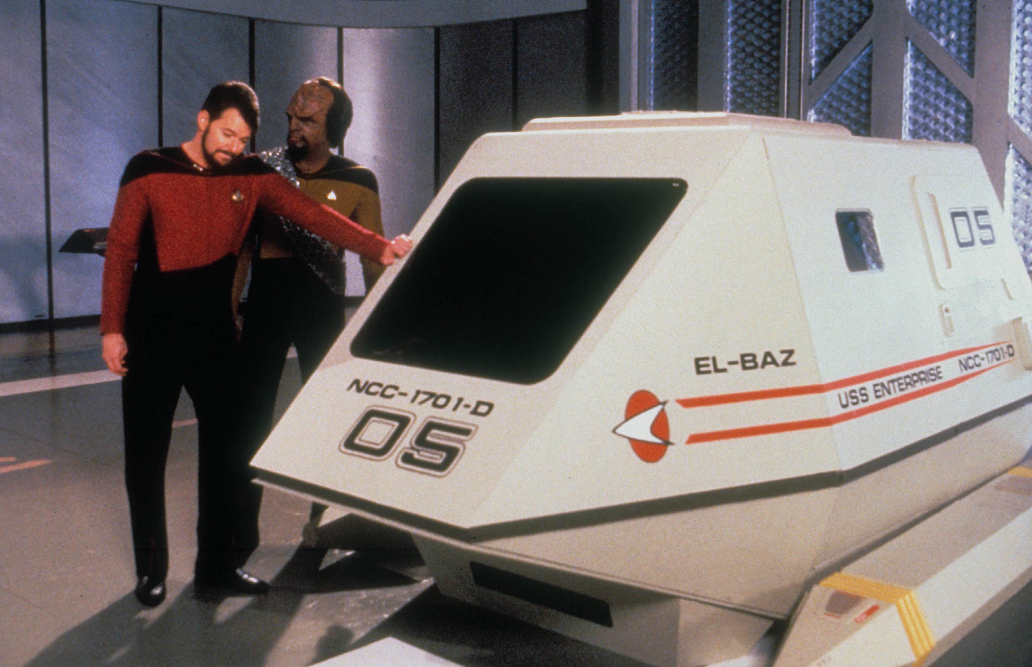 Actors Jonathan Frakes and Michael Dorn in costume, standing next to a shuttlepod (Alamy)