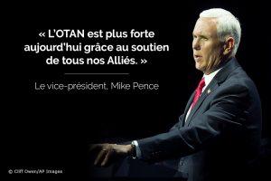 Photo de Mike Pence sur laquelle est surimposée une citation sur l'OTAN (Département d'État/© Cliff Owen/AP Images)