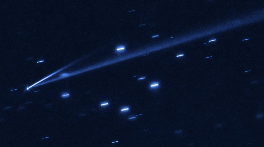 Asteroid trails in space (NASA/ESA/University of Hawaii/European Southern Observatory)