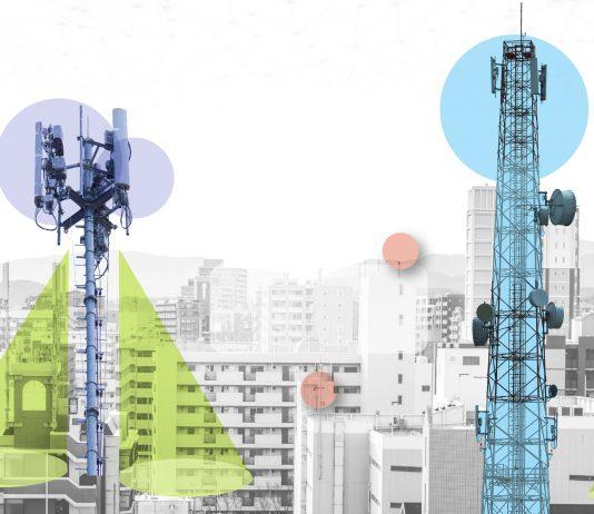 Ciudad inteligente con servicios e iconos inteligentes, Internet, redes y concepto de realidad aumentada (Depto. de Estado/S. Gemeny Wilkinson).