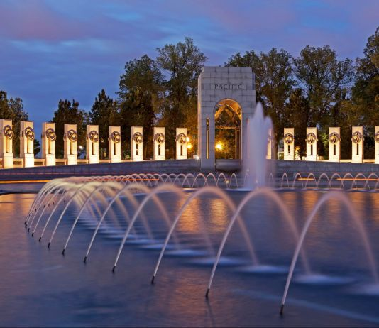 Memorial with granite and fountain (© Efrain Padro/Alamy)