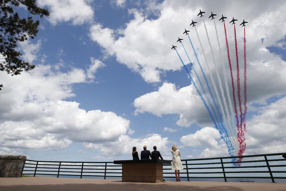 特朗普总统夫妇与马克龙总统夫妇一起出席诺曼底登陆75周年纪念活动(照片:美联社)