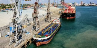 Ships at seaport (© Igor Grochev/Shutterstock)