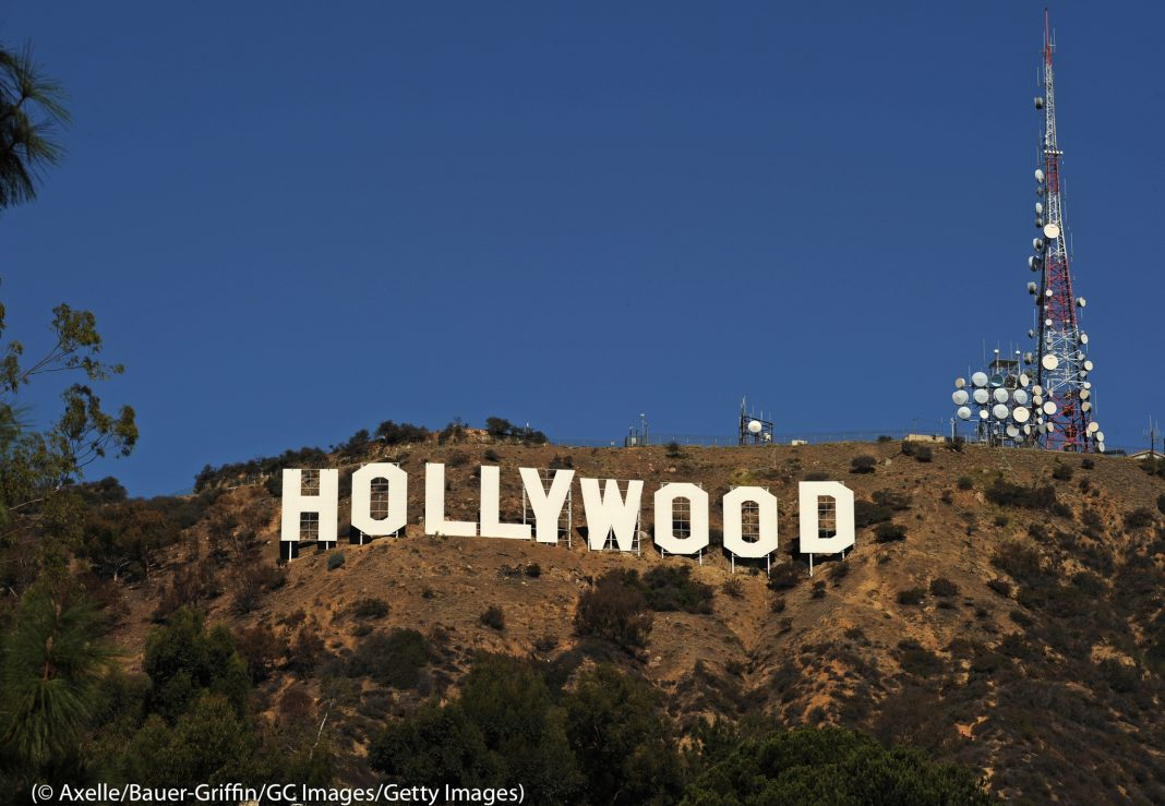 Gran cartel que dice ''Hollywood'' en una colina (© Axelle/Bauer-Griffin/GC Images/Getty Images)