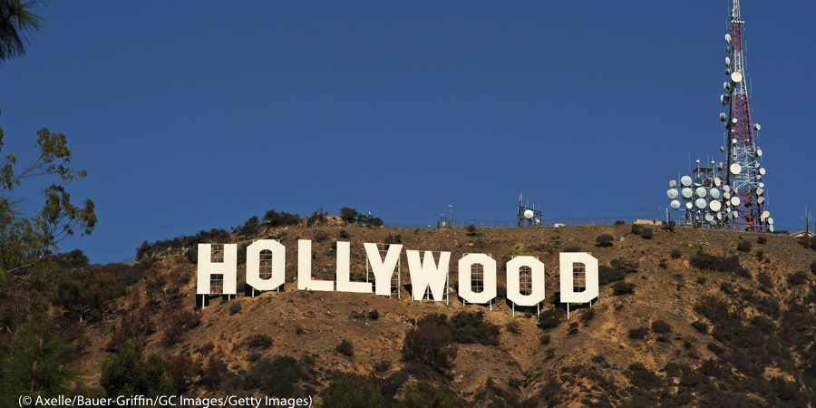 美国洛杉矶(Los Angeles)好莱坞(Hollywood)山头的大幅标志。 (© Axelle/Bauer-Griffin/GC Images/Getty Images)