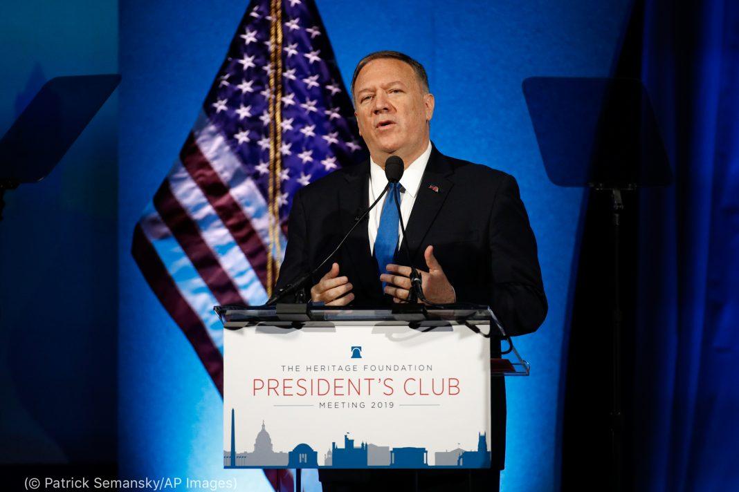 Secretary Pompeo speaking at the Heritage Foundation (© Patrick Semansky/AP Images)