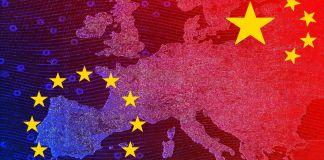 Карта Европы с флагами Китая и ЕС (© Shutterstock)
