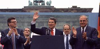President Reagan waving at crowd in Berlin (© Ira Schwartz/AP Images)