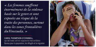 Citation sur le risque de traite des personnes aux frontières du Venezuela, avec la photo d'une femme éplorée au téléphone (© Dolores Ochoa/AP Images)
