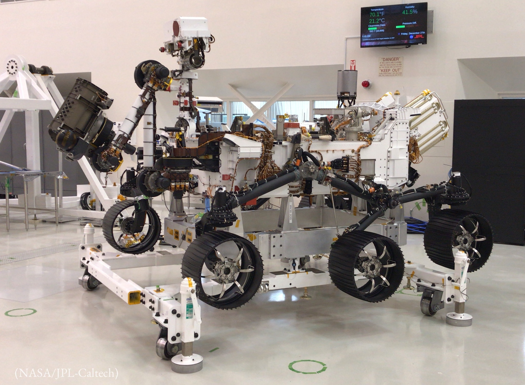Wheeled machine sitting in room (NASA/JPL-Caltech)