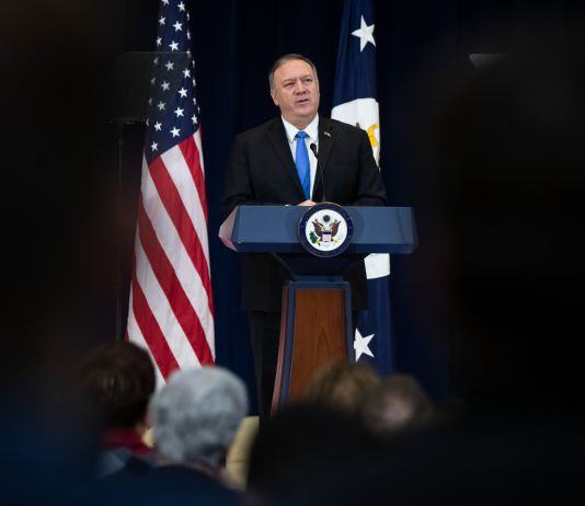 Secretary Pompeo speaking (© Matt Rourke/AP Images)